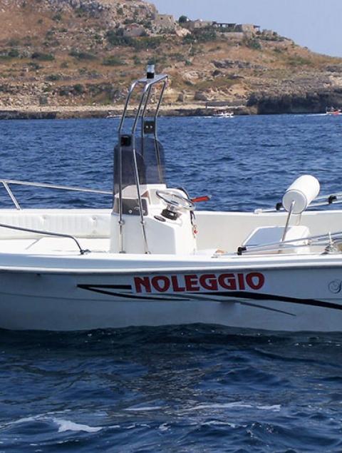 Simpaty 5.1 Locazione barca max 5 passeggeri (40 cv) NO PATENTE NAUTICA