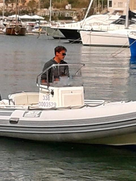 Joker 19 Locazione gommone max 8 passeggeri (40 cv) NO PATENTE NAUTICA