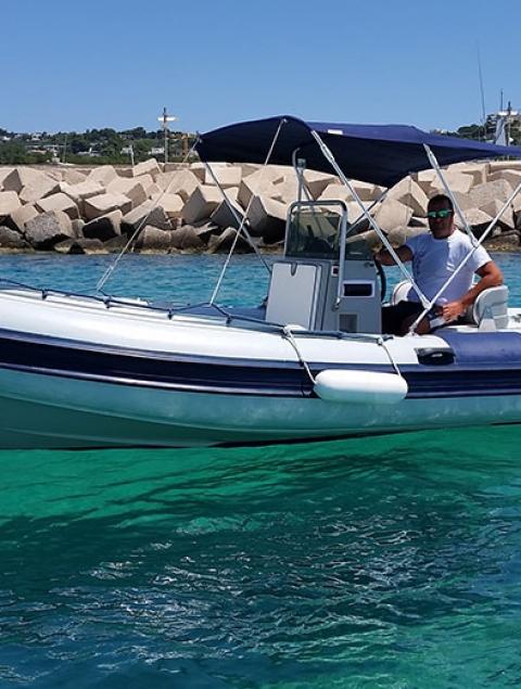 Clubman 21 Locazione gommone max 10 passeggeri  (115 cv) PATENTE NAUTICA